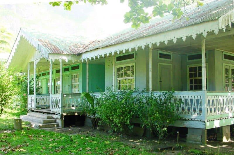 Fare Vanira de Paopao, Moorea. 2002 © Tahiti Heritage