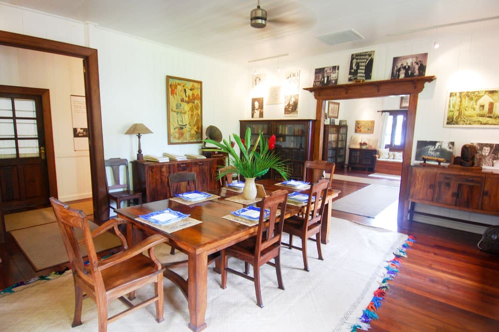Salle à manger de la maison de Norman Hall, à Arue Tahiti.