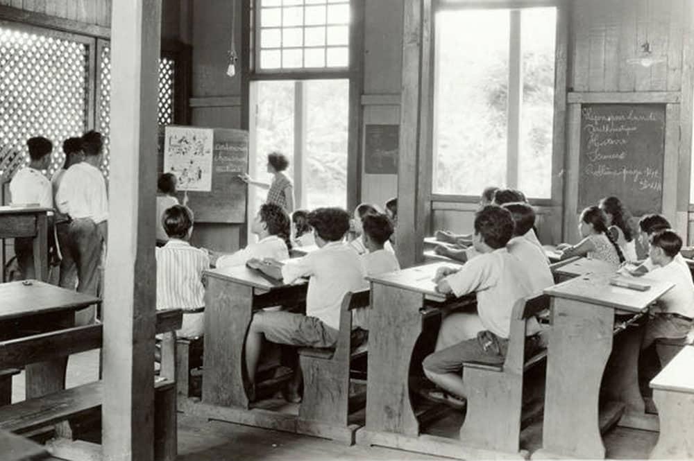 Classe de garçons de l'Ecole centrale de Papeete vers 1950