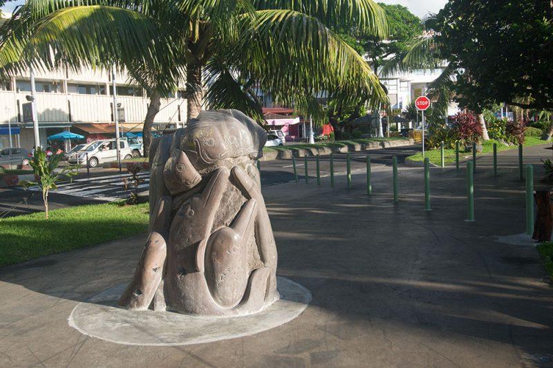 Sculpture de Umupaura, la pêche miraculeuse - Square Temarii a Teai à Papeete