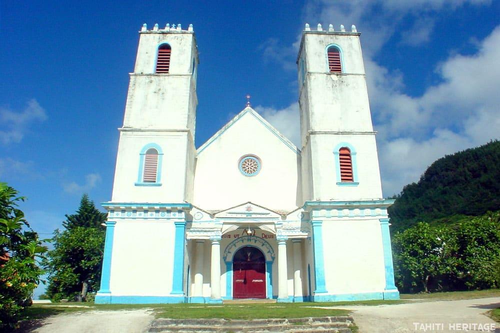 La cathédrale Saint-Michel de Rikitea, Mangareva, Gambier en 2000 © Tahiti Heritage