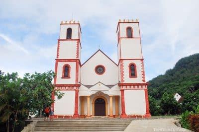 La cathédrale Saint-Michel de Rikitea, Mangareva, Gambier en 2012