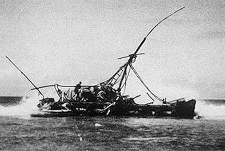 Le Kon Tiki sur le récif de Raroia