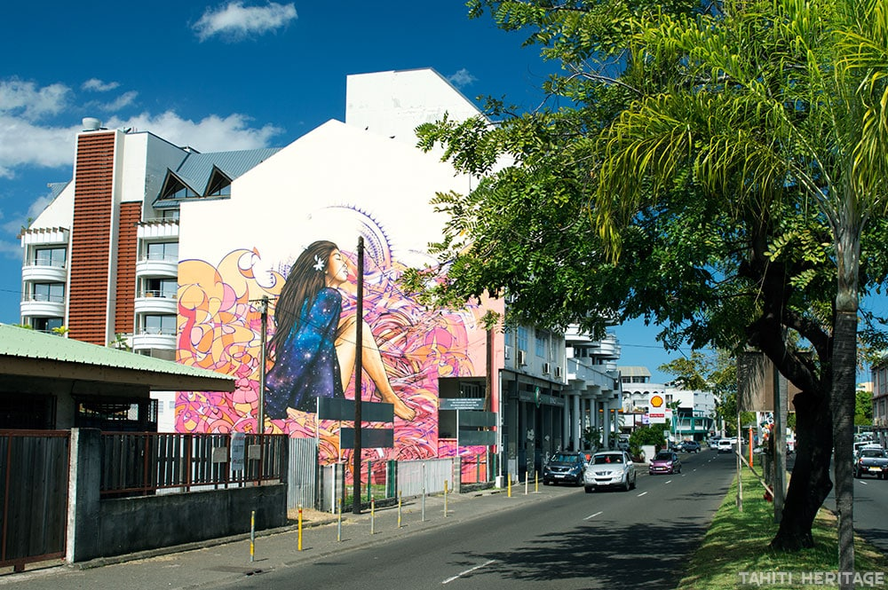 Street art, la vahine rose de Prince Hinoi.