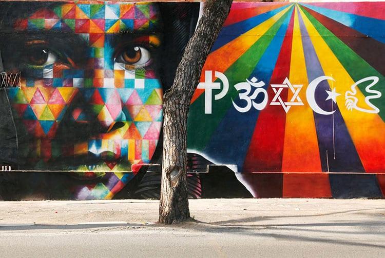 Street art, Peace by Kobra