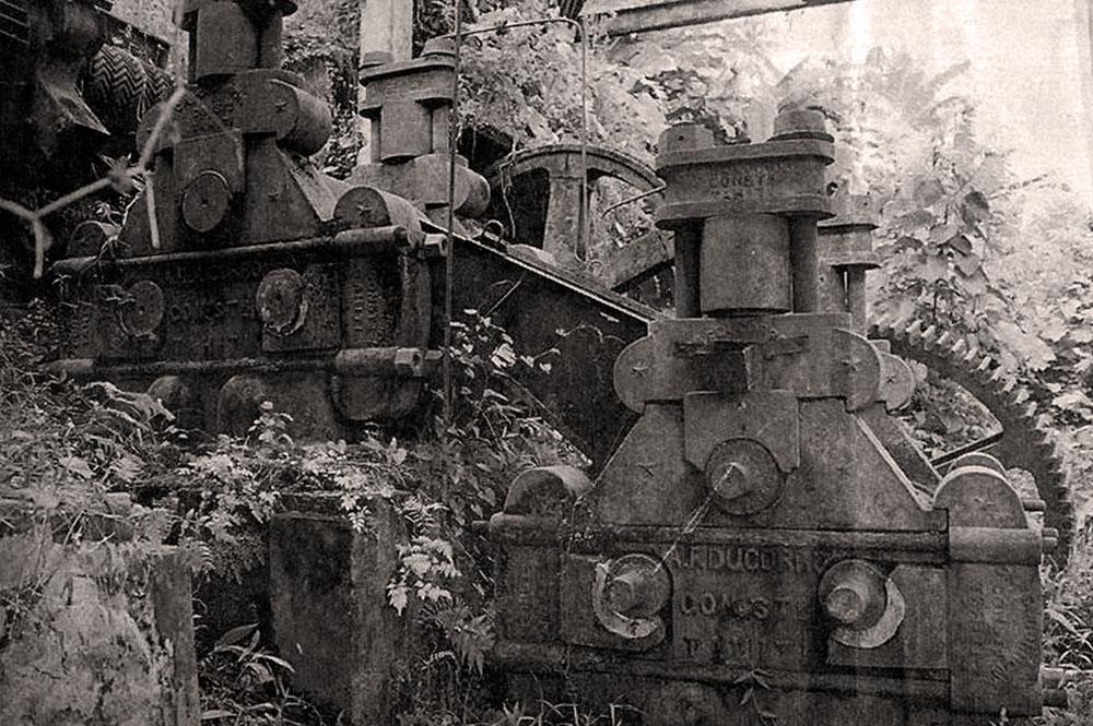 Vestiges de l'ancienne rhumerie de Papara