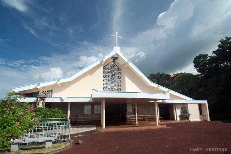 Eglise sainte-Trinité de Pirae