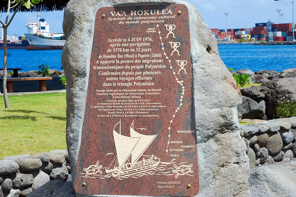 Monument Hokulea dans les jardins de Paofai en 2011