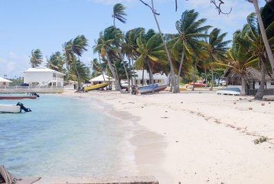 Plage de Raroia © Tahiti Heritage