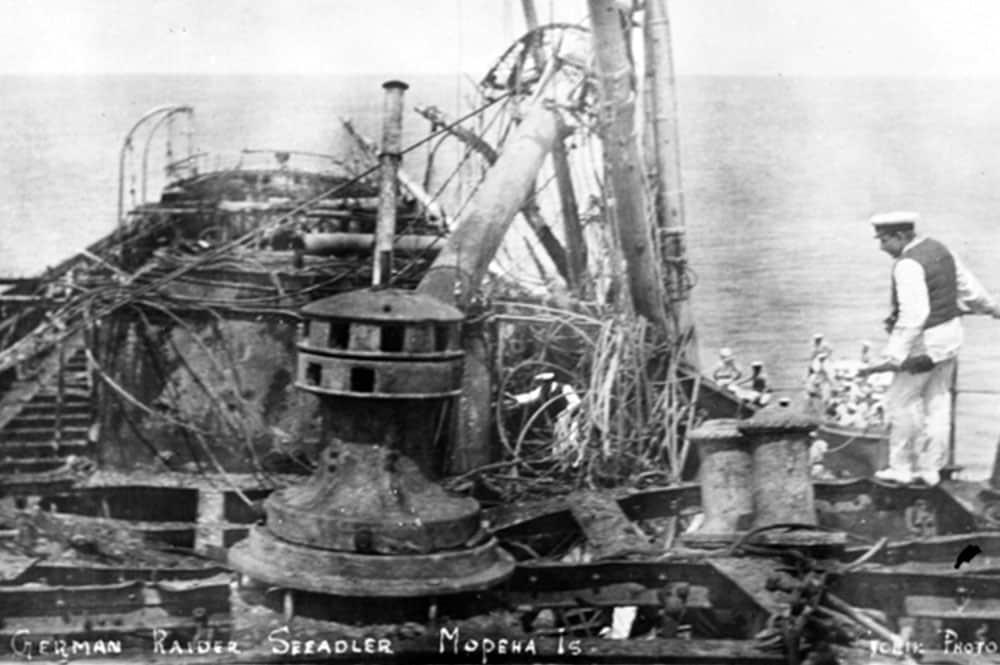 Epave du corsaire allemand Seeadler à Mopelia en 1917.
