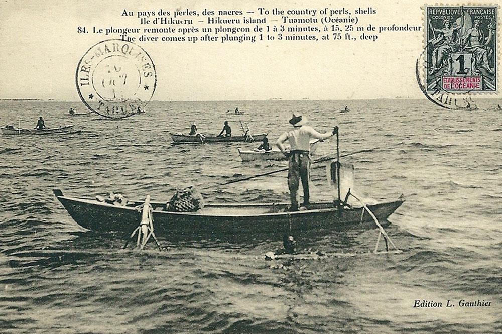 Au pays de la nacre,-Hikueru,-Tuamotu. Photo Lucien Gauthier