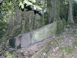 Le bateau de pierre de Hiro, à Maupiti
