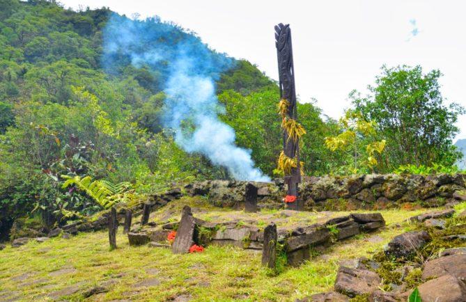 Marae Anapua, Vaivanevane, vallée de Papenoo. photo Astrid Brander