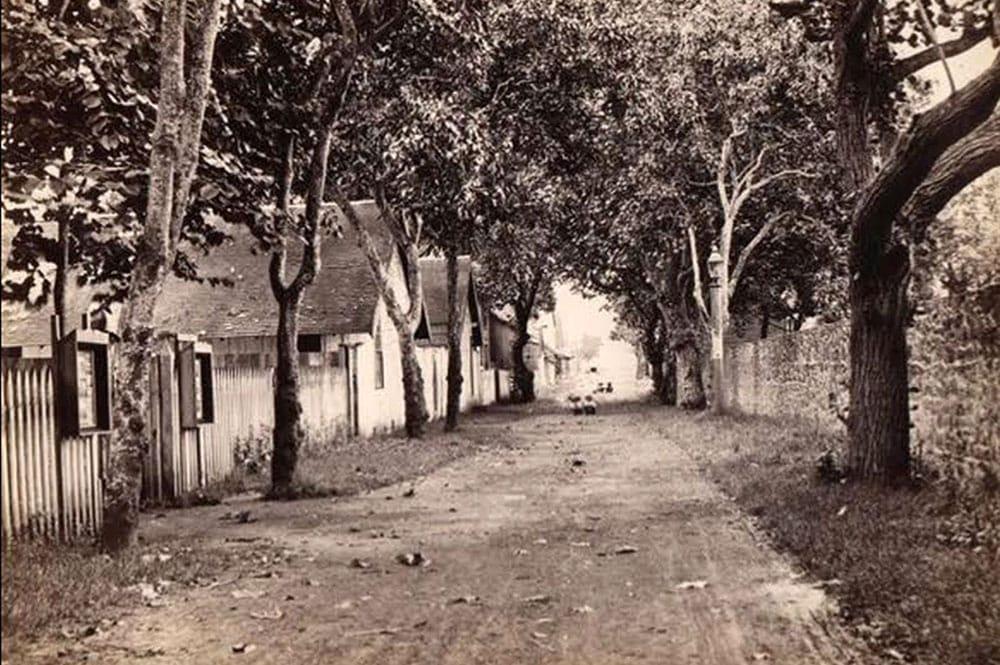 La rue de la petite Pologne (rue Gauguin) vers 1890