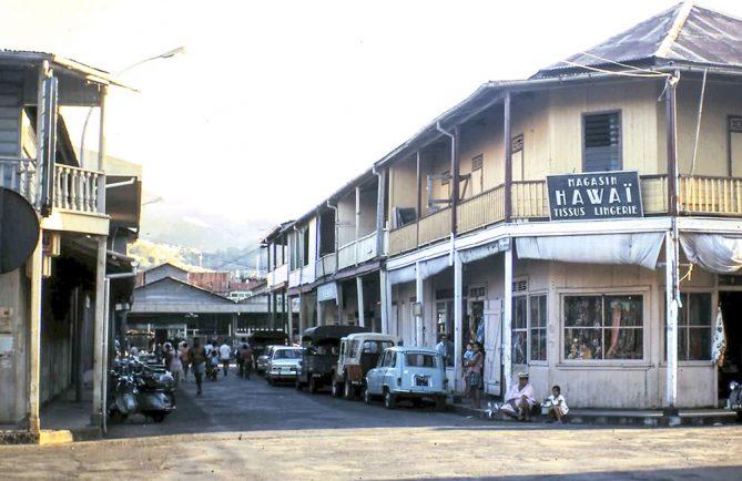 Coin de la rue Gauguin et de la rue du marché à Papeete en 1970