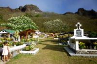 Cimetière de Taiohae à Nuku Hiva. Photo sandrineetclementauxmarquises