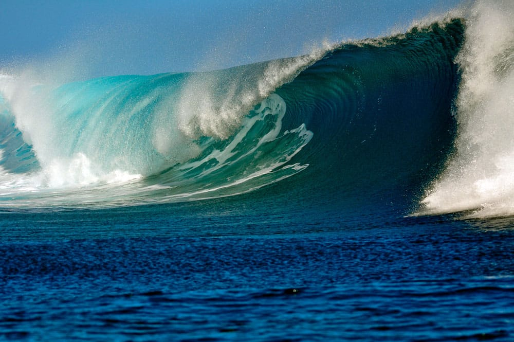 Vague de Teahupoo à Tahiti. Photo Pierre Lesage