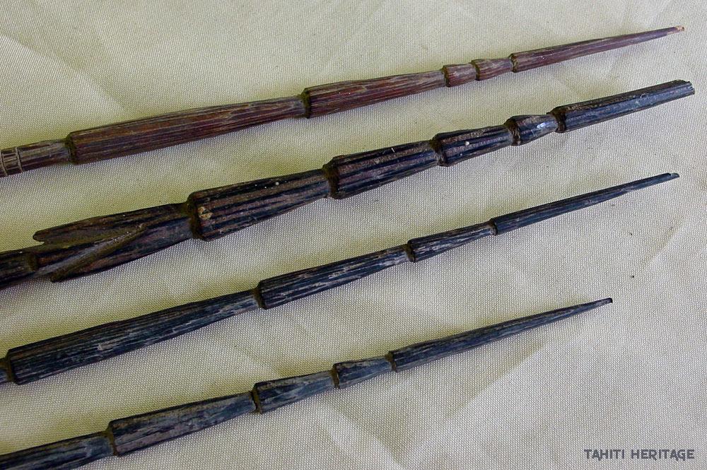 Anciennes lances polynésiennes