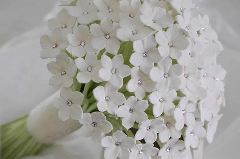 Bouquet de mariage à base de Stéphanotis (liane de cire)