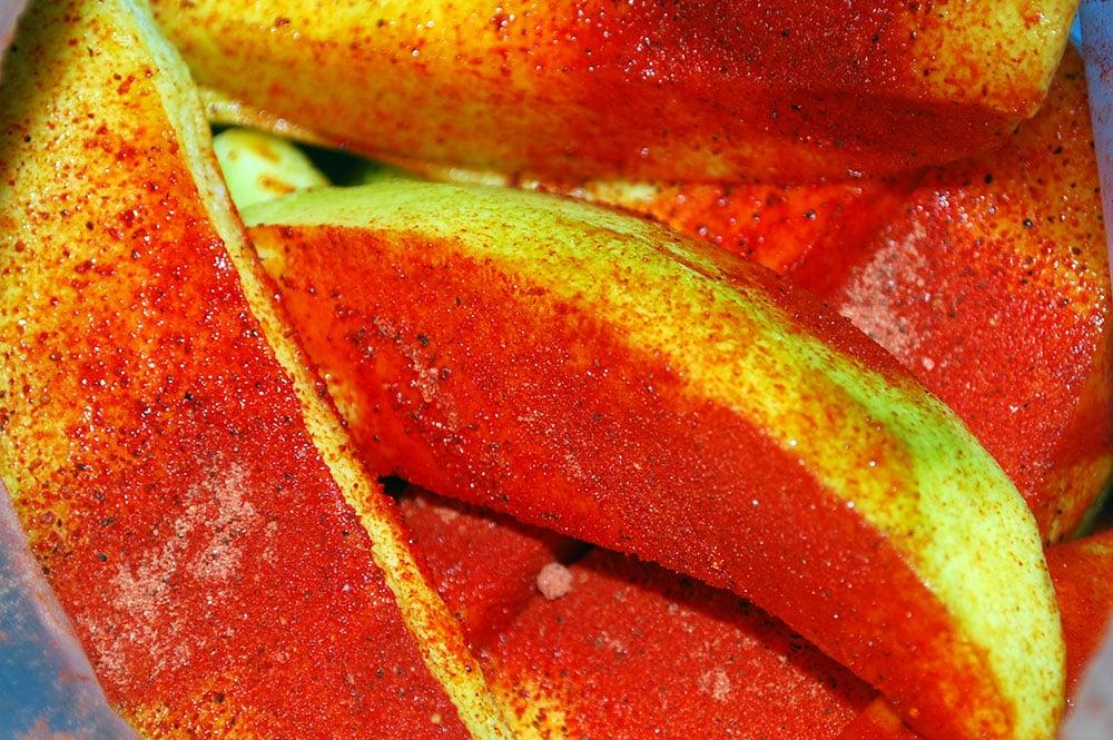 Mangue vi tahiti avec de la poudre de bonbon chinois