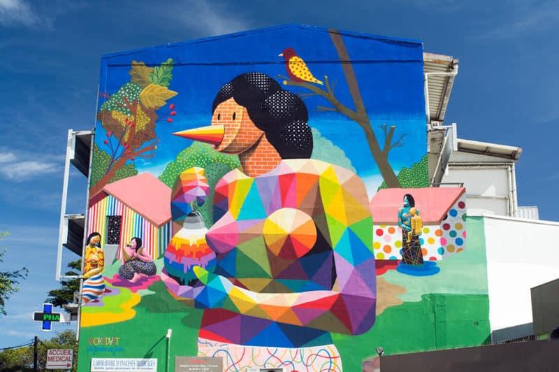 Street Art, la femme au fruit par Okuda, à Paofai Papeete