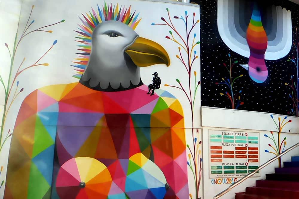 Street Art, les oiseaux de Okuda du centre Vaima à Papeete