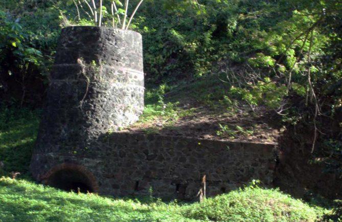 Four à chaux de sainte-Amélie à Papeete. Photo Yann Gonsalez