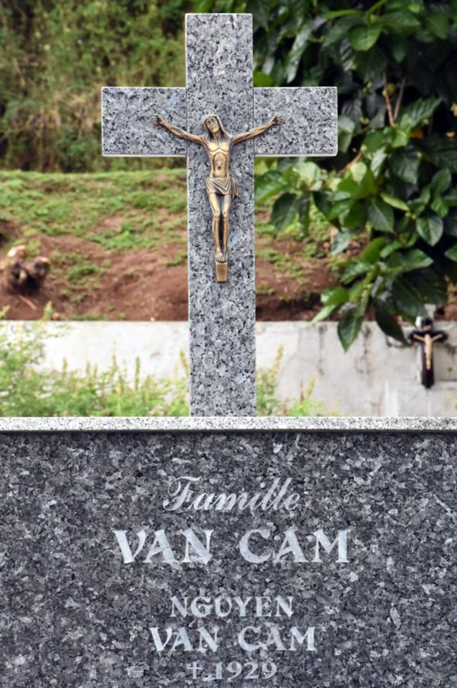 Tombe de Nguyen Van Cam, dit Ký Dông, au cimetière de l'Uranie à Papeete