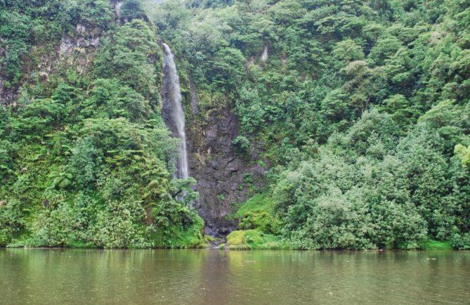 Cascade Puraha, Vallée de la Papenoo. © Tahiti Heritage
